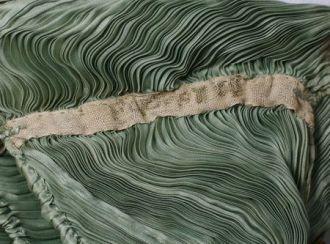 détail plissé Fortuny