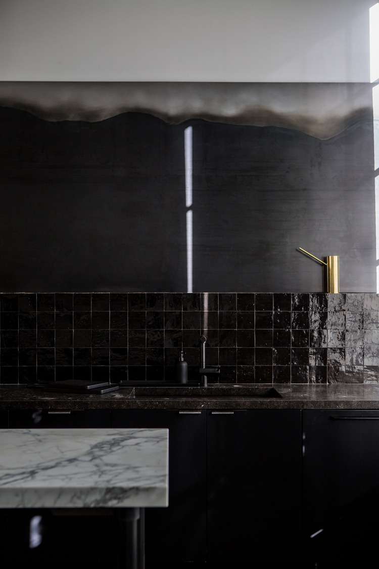 nicole-hollis-san-francisco-studio-self-designed-interior-monochrome_dezeen_2364_col_16