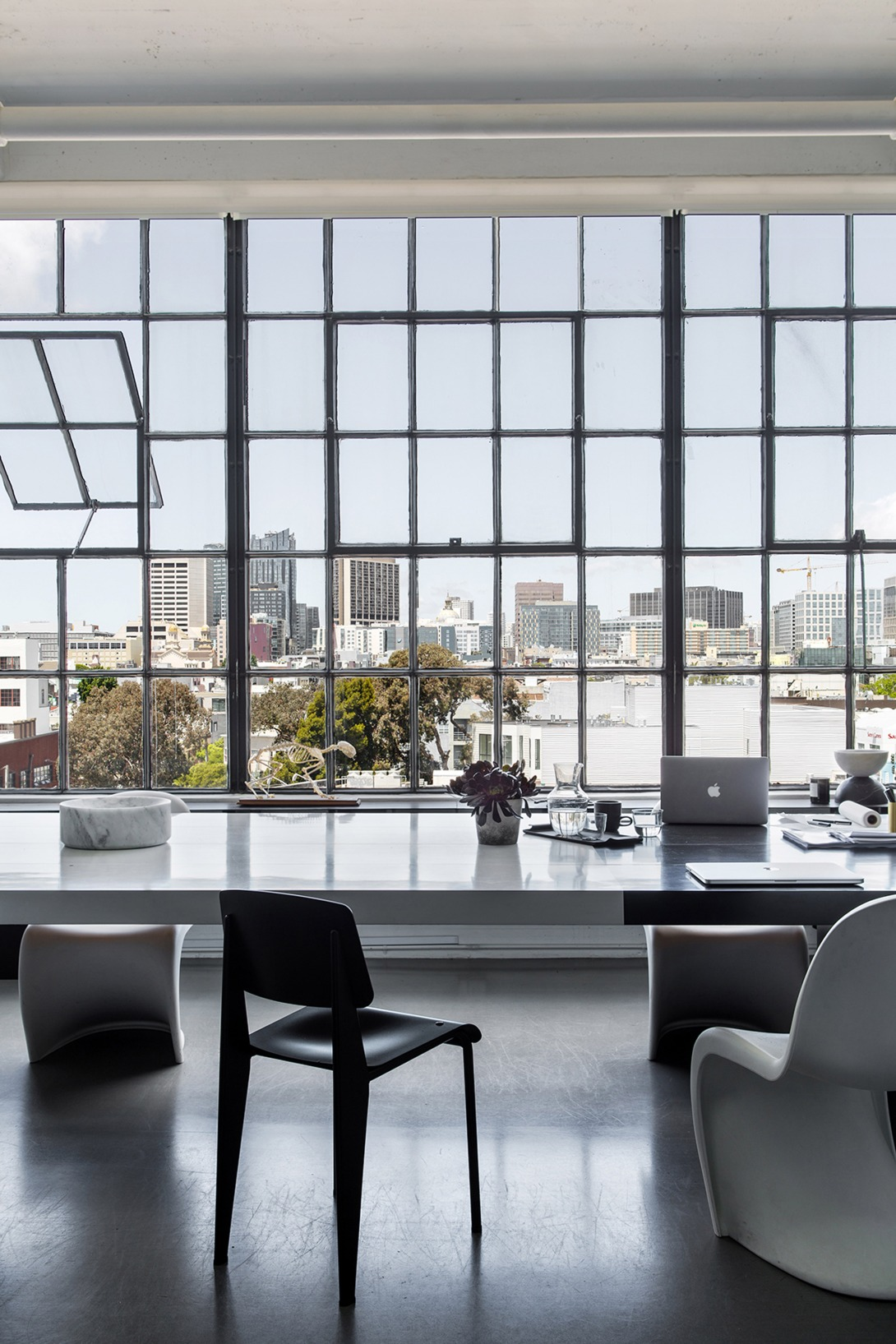 nicole-hollis-san-francisco-studio-self-designed-interior-monochrome_dezeen_2364_col_3