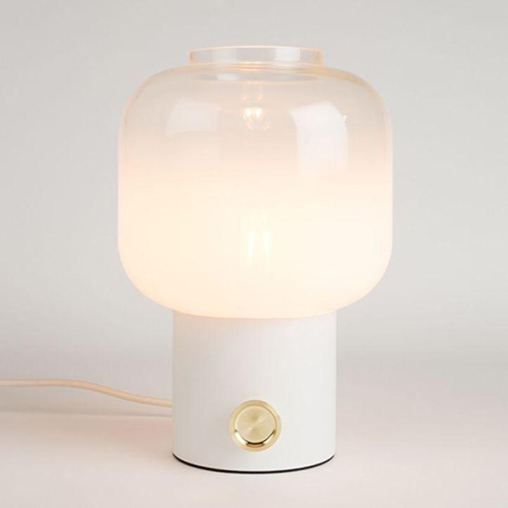 lampe-a-poser-en-metal-et-globe-verre-moody-zuiver